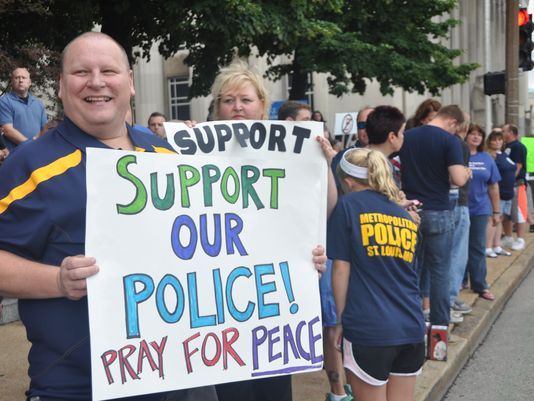 support darren wilson protest