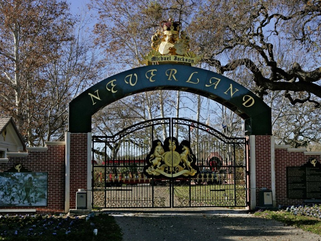 welcome-to-neverland-ranch-the-famed-2800-acre-property-that-once-belonged-to-the-late-michael-jackson