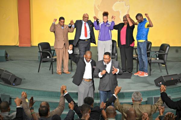 Baltimore healing, Jamal Bryant, church, Baltimore uprising, Freddie Gray