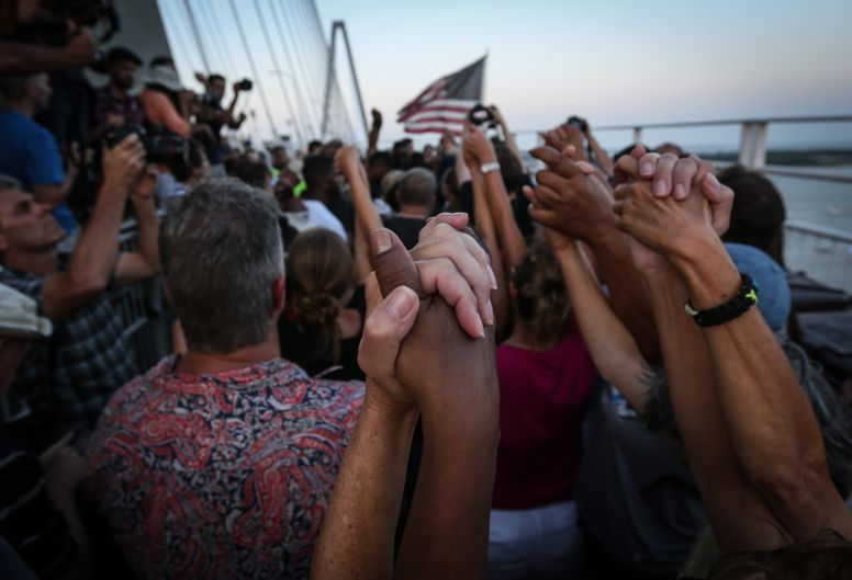 Charleston residents unite after AME shooting, march, protestors, human link