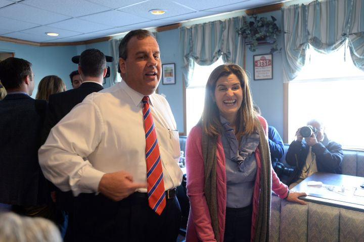 Chris Christie Makes Public Appearances In New Hampshire