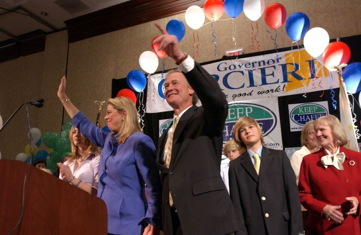 Lincoln Chafee Struggles To Hold Onto Senate Seat