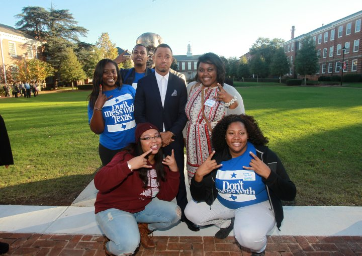 Actor, philanthropist and HBCU alumni Terrence 'J' Jenkins strikes a pose with Atlanta University Center Consortium students at the My Life, My Story, #MyUntold℠ Instameet on November 10, 2015.