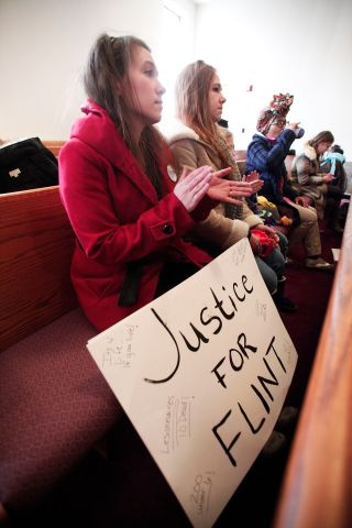 Jesse Jackson Leads Rally Protesting Flint Water Crisis
