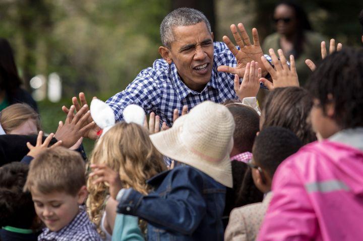 Barack Obama High Fives The Children