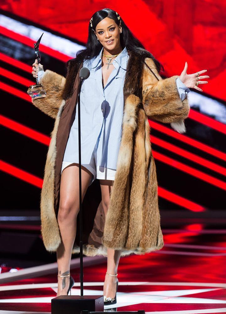 Top Black Pop Culture Moments Of 2016: Rihanna delivers 'Black Girls Rock' 10th anniversary speech
