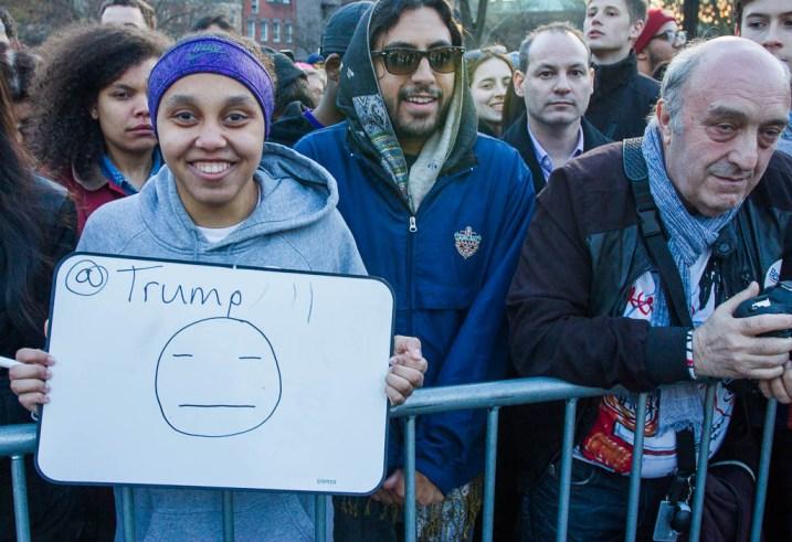 emoji, presidential candidates, bernie sanders rally
