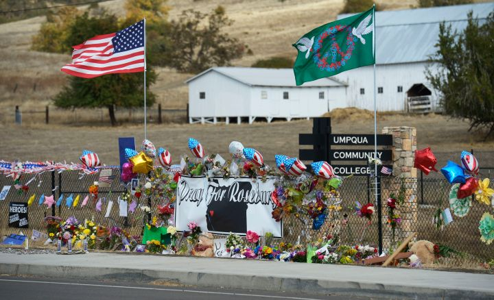 Obama Visits Roseburg, As Community Recovers From Last Week's Shooting