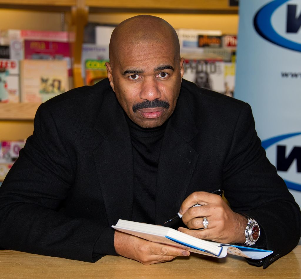 Steve Harvey Signs Copies Of 'Straight Talk, No Chaser' - January 18, 2011