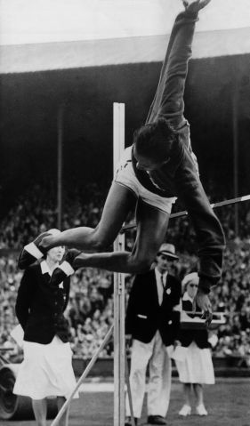 1948 Summer Olympics : Alice Coachman Crosses The Bar At 1.68 Meters