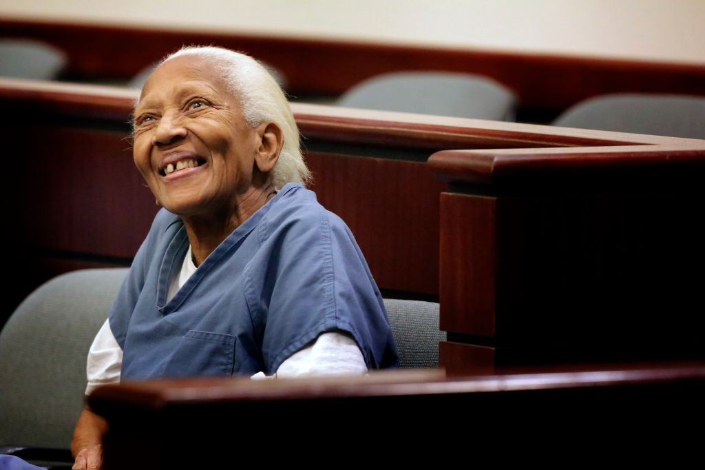 Doris Marie Payne, 83, at flanked by defense attorneys Gretchen Christina von Helms and Guadalupe V