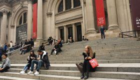 Director Of New York's Metropolitan Museum Of Art Resigns