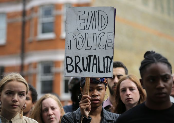BRITAIN-US-POLICE-PROTEST