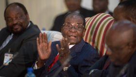 South African President Jacob Zuma hosts Zimbabwean President Robert Mugabe
