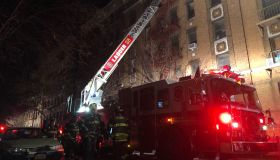 Massive fire breaks out at New York apartment building