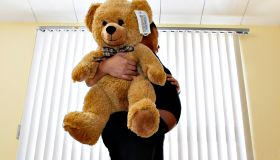 TEEN PREGNANCY--02/25/08-Rebecca Alay,19, poses with her teddy-bear in her room at the Massey Centre