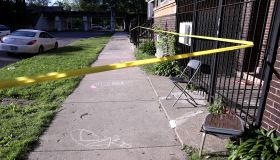 40 minutes in Chicago: 2 killed, including 16-year-old boy, and 3 wounded