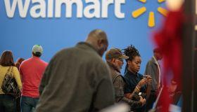 HOMELESS WOMAN FINDS JOB AT WALMART