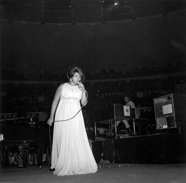Aretha Franklin Performing at Madison Square Garden