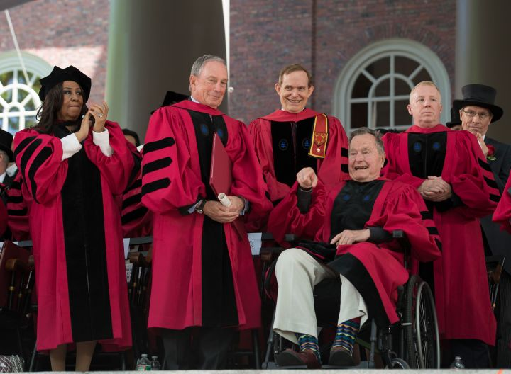 Aretha With Former President George H. W. Bush At Harvard University's 363rd Commencement Ceremony