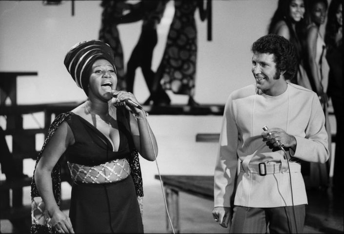 Aretha Franklin Singing With Tom Jones On 'This Is Tom Jones'