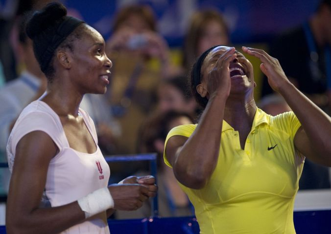 US tennis player Serena (R) and Venus Wi