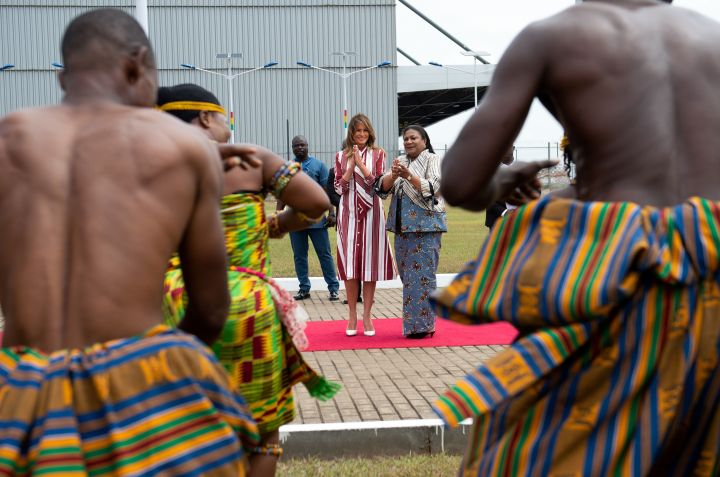 Dancers greet Melania Trump
