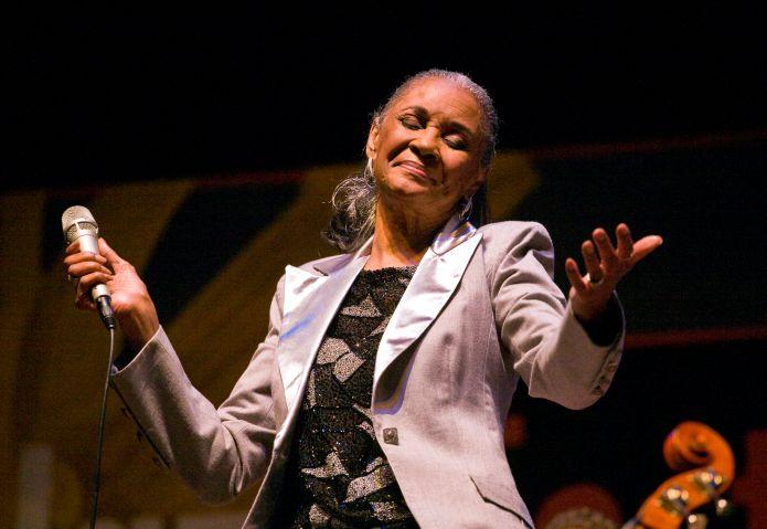 Singer Nancy Wilson Preforms At The 51st Monterey Jazz Festival, Monterey