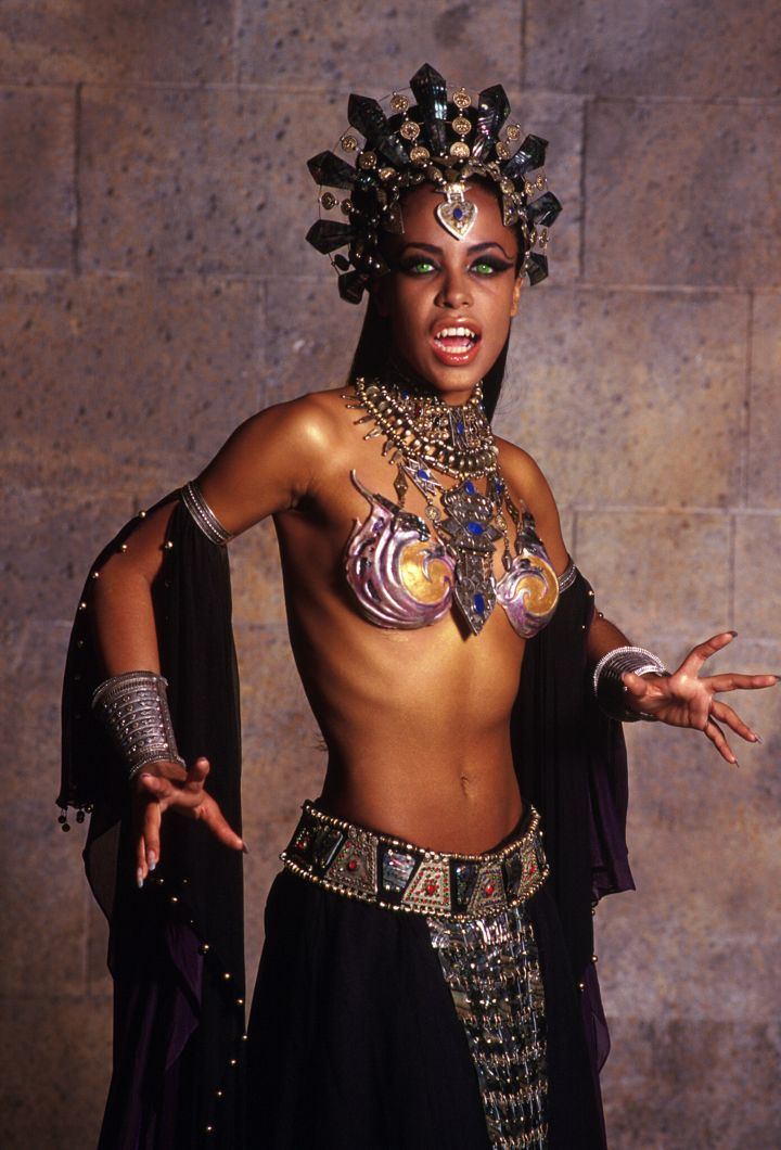 Aaliyah (as Queen Akasha) 'Queen of the Damned' (2002)