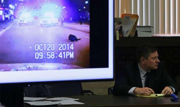 Defense Presents Case In Murder Trial of Chicago Cop