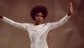 Diahann Carroll Performing On 'The Bob Goulet Show'