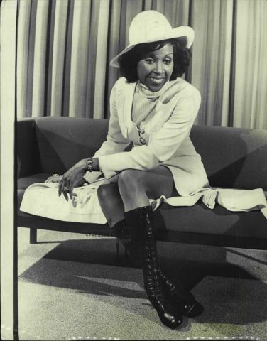 """American actress and singer Diahann Carroll, of the TV series """"Julia"""" pictured at Sydney airport today. She is here for a season at the VChevron Hotel."""