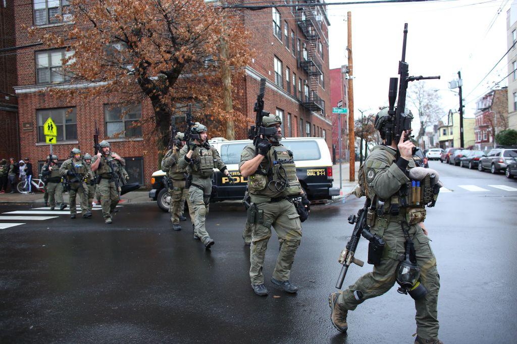 US-SHOOTING-POLICE