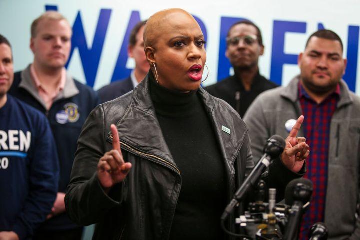 Pressley Speaks to Warren Supporters