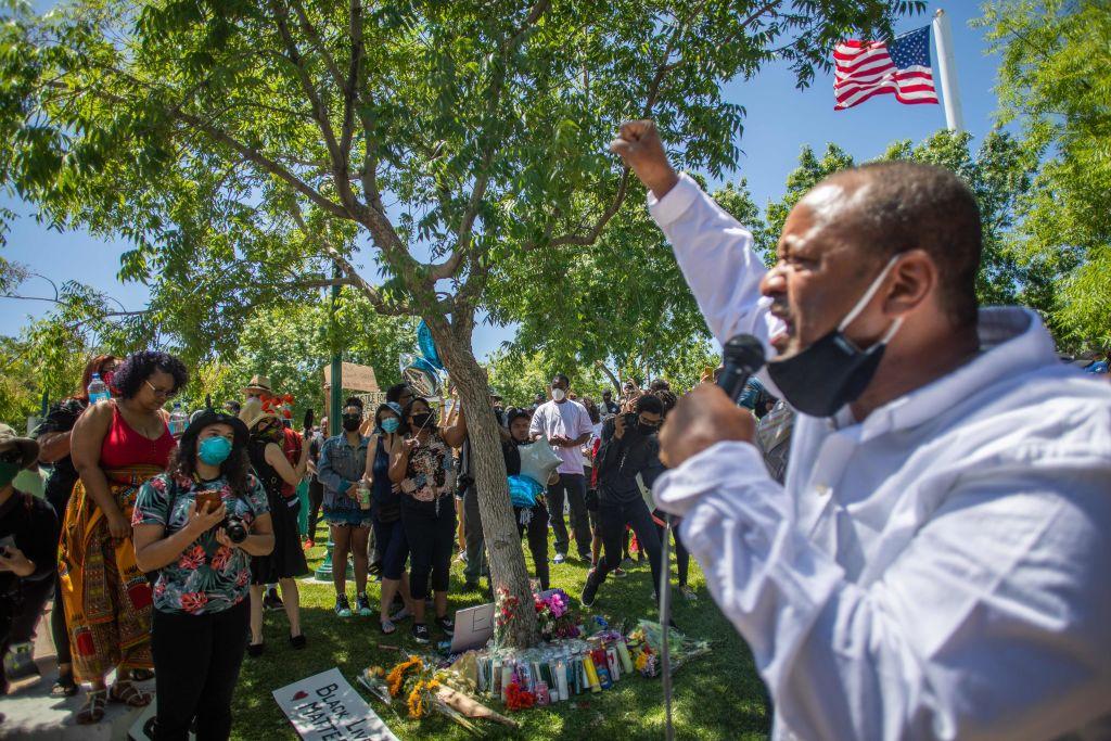 TOPSHOT-US-POLITICS-RACISM-UNREST
