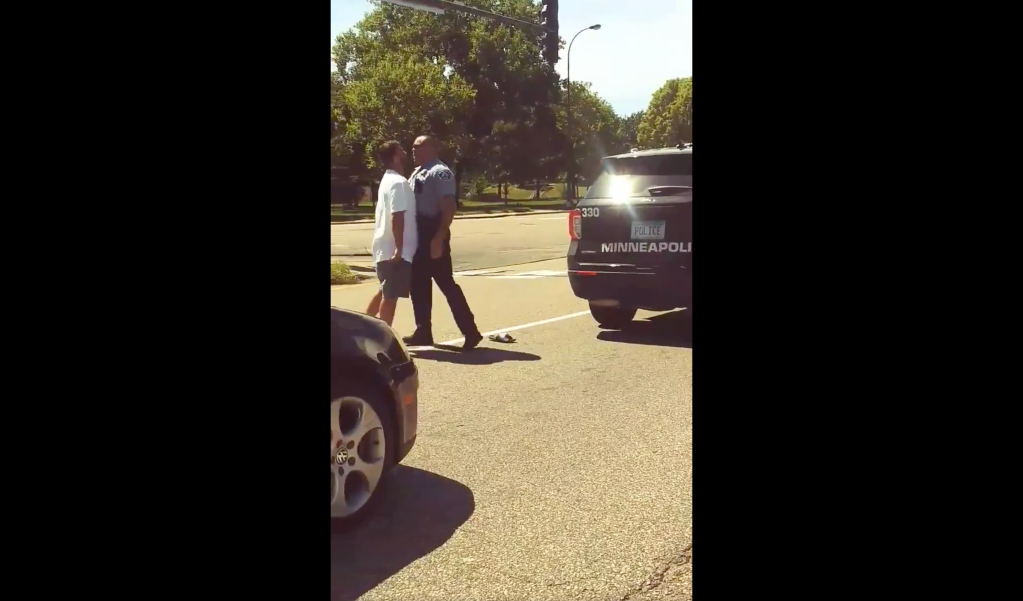 Minneapolis police encounter with driver viral video