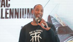 Tracy McGrady Visits Shenyang
