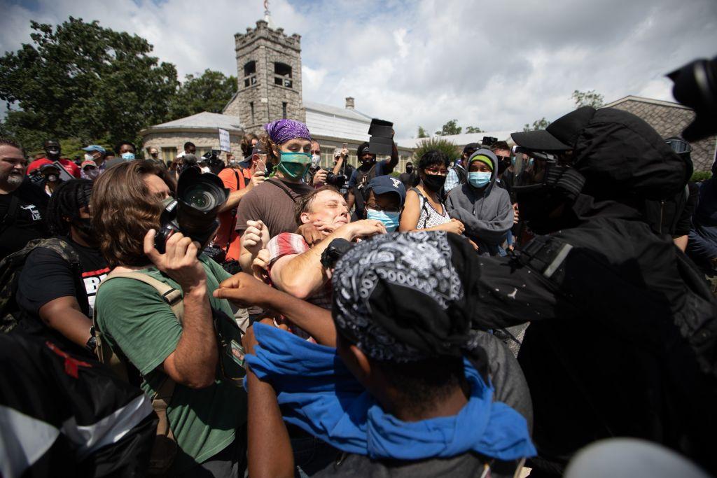 TOPSHOT-us-politics-racism-protest-demonstration