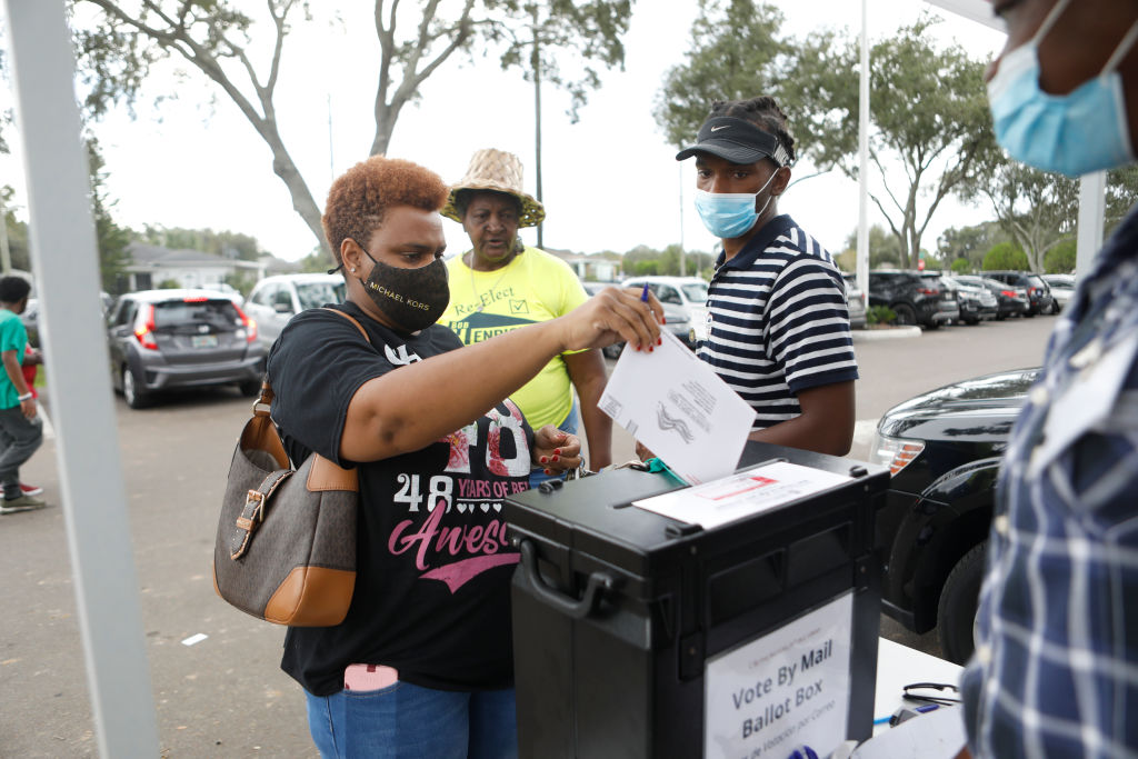 "NAACP Hosts Traditional ""Souls To The Polls"" Sunday March For Early Voting"