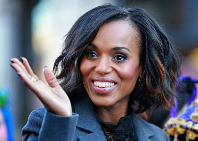 (01/28/2016 Cambridge, MA) Actress Kerry Washington waves to the crowd during the The Hasty Pudding Theatricals' parade as she is feted as woman of the year on Thursday, January 28, 2016. Staff Photo by Matt West.