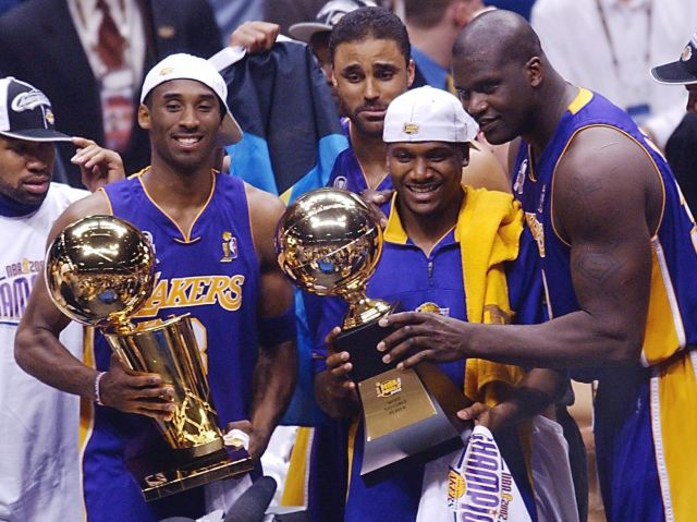 BKN-NBA-FINALS-LAKERS-NETS-TROPHIES