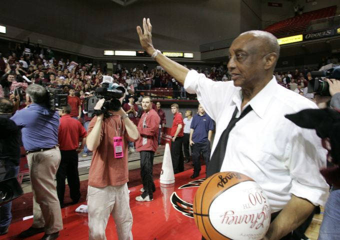 John Chaney - NCAA Men's Basketball - Temple vs Army - November 15, 2005