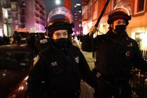 Police arrest Daniel Prude protesters in Brooklyn