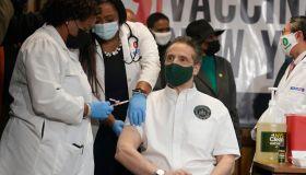 US-HEALTH-VIRUS-VACCINE-CUOMO