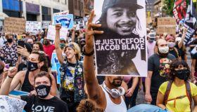 TOPSHOT-US-POLICE-SHOOTING-RACISM