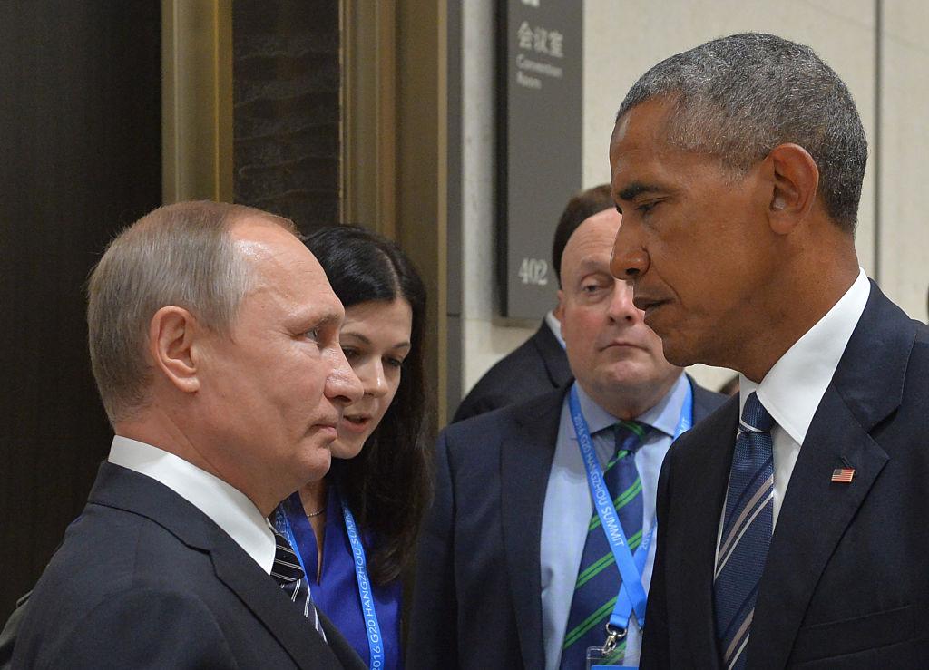 TOPSHOT-CHINA-G20-SUMMIT-PUTIN-OBAMA