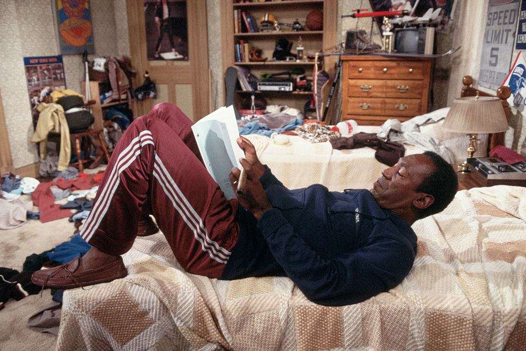 """Bill Cosby Studying Lines on """"Cosby Show"""" Set"""