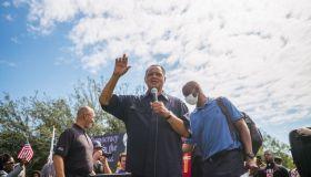 Rev. Jesse Jackson Marches With Local Phoenix Activists To Sen. Sinema's Office