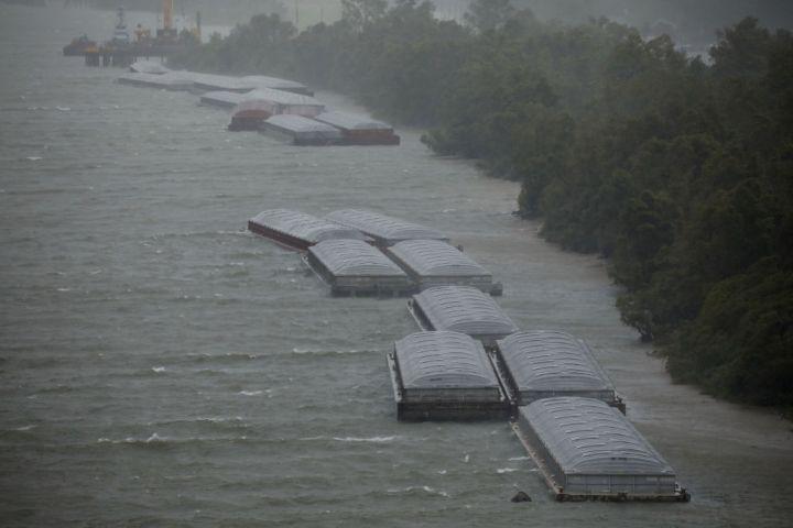 Ida Battering Louisiana With Winds Stronger Than Katrina