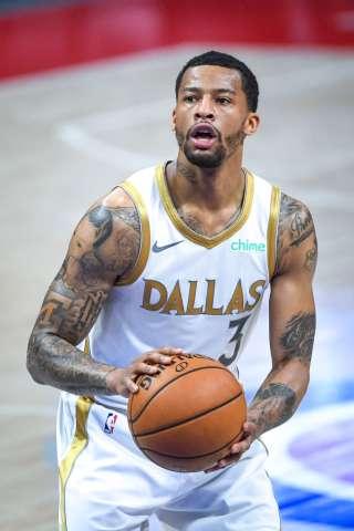 Dallas Mavericks v Detroit Pistons